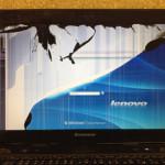 Lenovo  IdeaPad Y480の液晶割れ、パネル故障