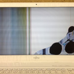 富士通 ノートパソコンの画面割れや表示不良を格安に直します!