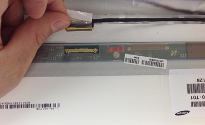 ノートパソコンの液晶修理 パネル交換方法 | 液晶修理センター