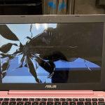 ASUS VivoBook E203NAの液晶割れ修理 パネル交換