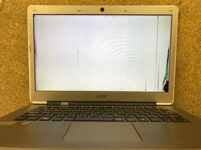 パソコン 画面真っ白