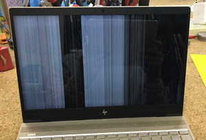 HP  13-ad005TU 画面割れ