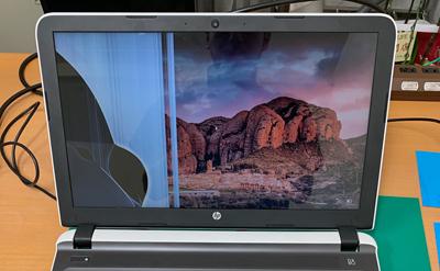 HP Pvilion 15-ab024TU 画面割れ