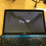 富士通 FMVA77KLの液晶修理 パソコン画面割れ