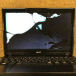 Acer travelmate b113の画面割れ液晶修理