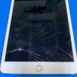iPad Mini 4の液晶修理 画面割れ パネル交換