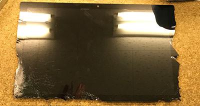 Surface Pro 7 液晶割れ