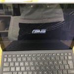 ASUS TransBook 3 T303UAの液晶画面割れの修理