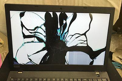ThinkPad L580 画面割れ