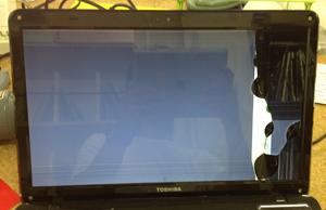 東芝 dynabook T451/59DB 液晶割れ