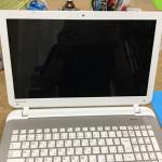 パソコンの画面が映らない、画面割れは格安に修理可能!
