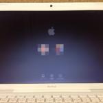Macbookのバックライト交換 画面が赤い、うっすら表示